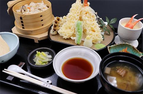 海老天ぷら盛り合せとわっぱ飯御膳
